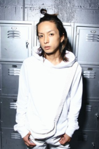 奈良裕也の髪型